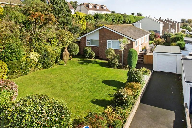 3 Bedrooms Detached Bungalow for sale in Maudlin Drive, Teignmouth