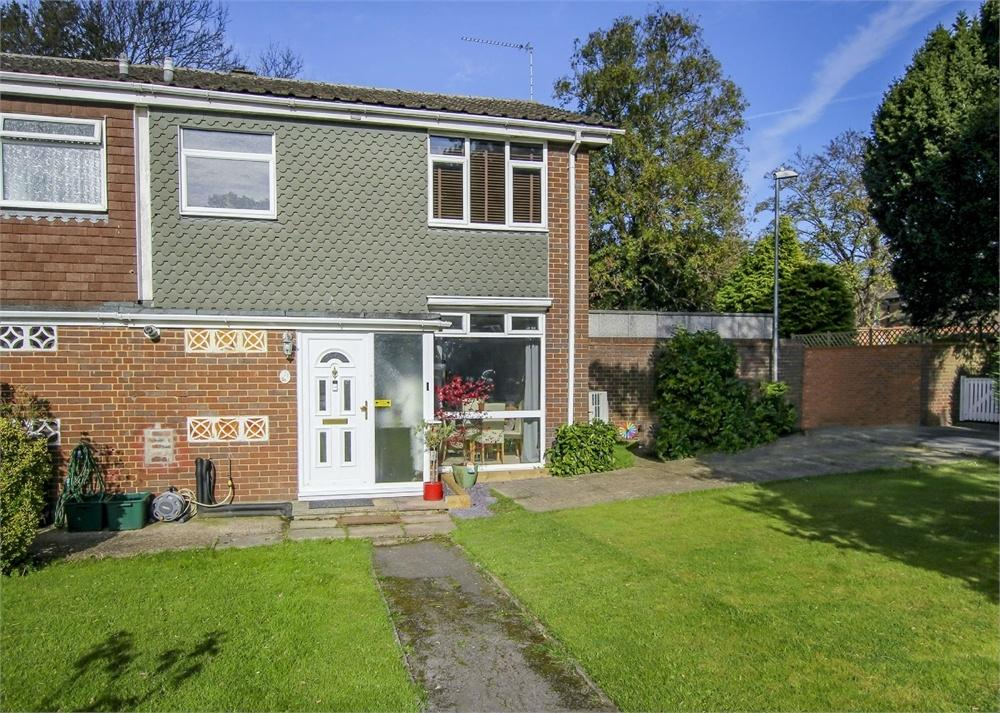 3 Bedrooms End Of Terrace House for sale in Cedar Drive, Bracknell, Berkshire