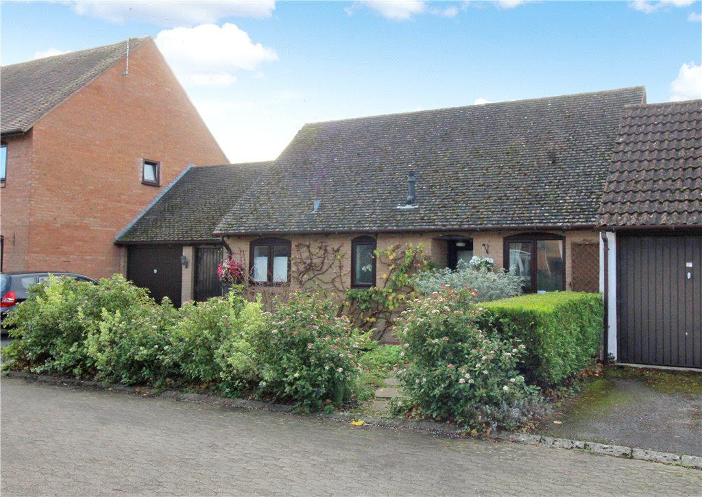 2 Bedrooms Bungalow for sale in St James Court, Moreton-In-Marsh, Gloucestershire, GL56
