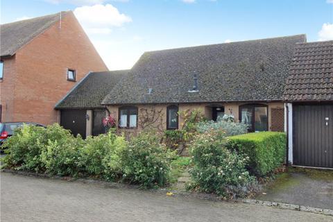 2 bedroom bungalow for sale - St James Court, Moreton-In-Marsh, Gloucestershire, GL56