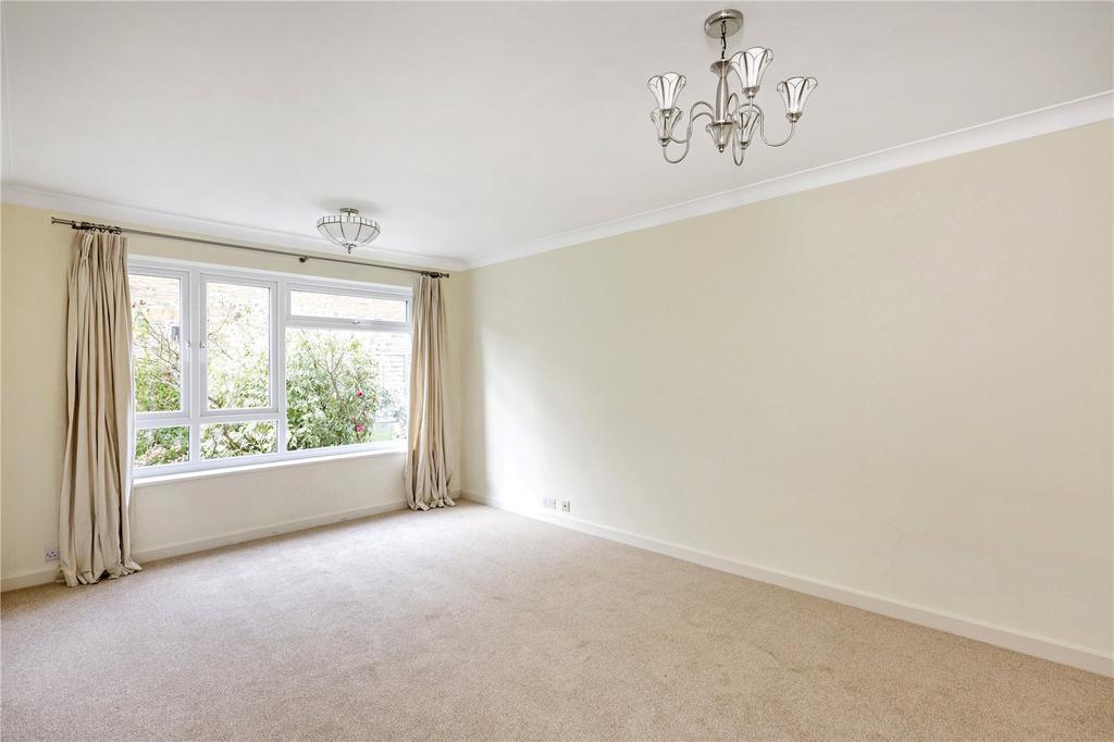 2 Bedrooms Flat for sale in Dunstable Road, Richmond, Surrey