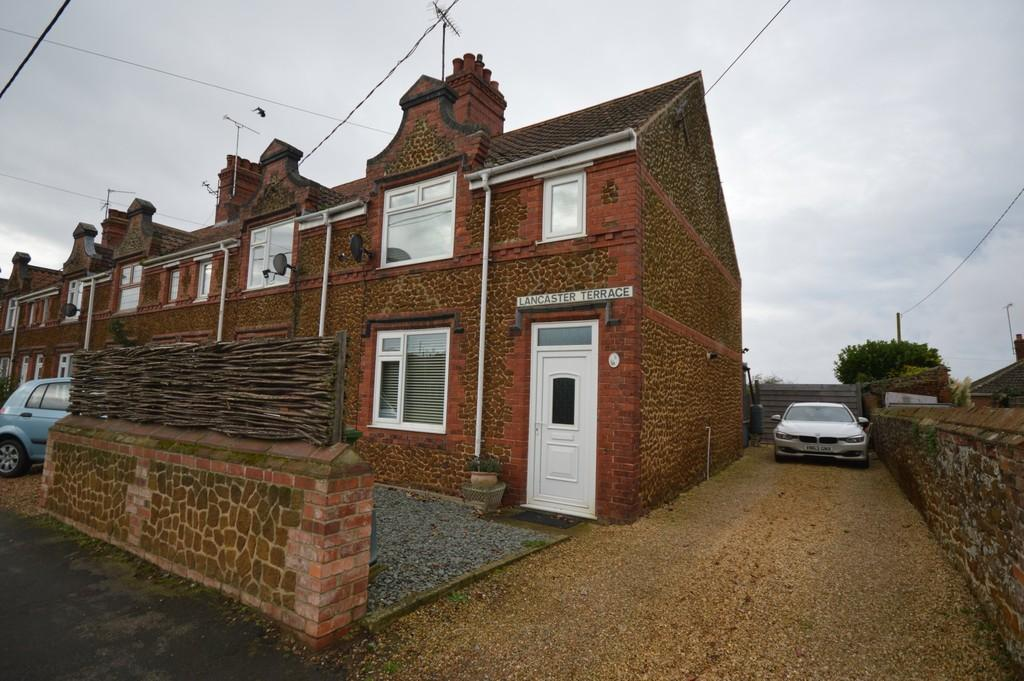 3 Bedrooms End Of Terrace House for sale in Lynn Road, Ingoldisthorpe