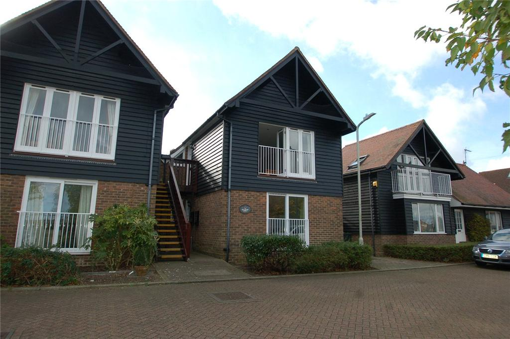 2 Bedrooms Flat for rent in Millers Court, Whitstable, CT5