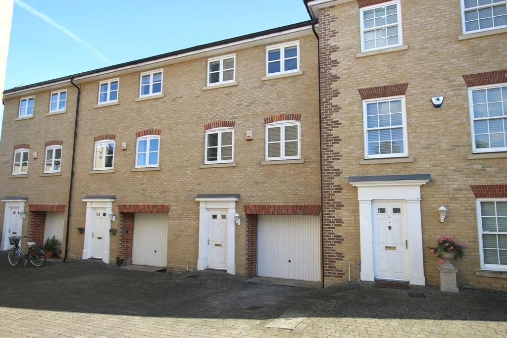 4 Bedrooms Town House for sale in Charles Graven Court, Ely