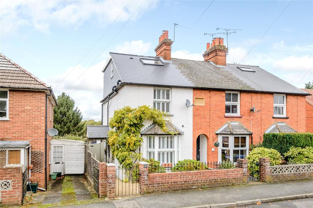 3 Bedrooms House for sale in Church Road, Chavey Down, Ascot, Berkshire