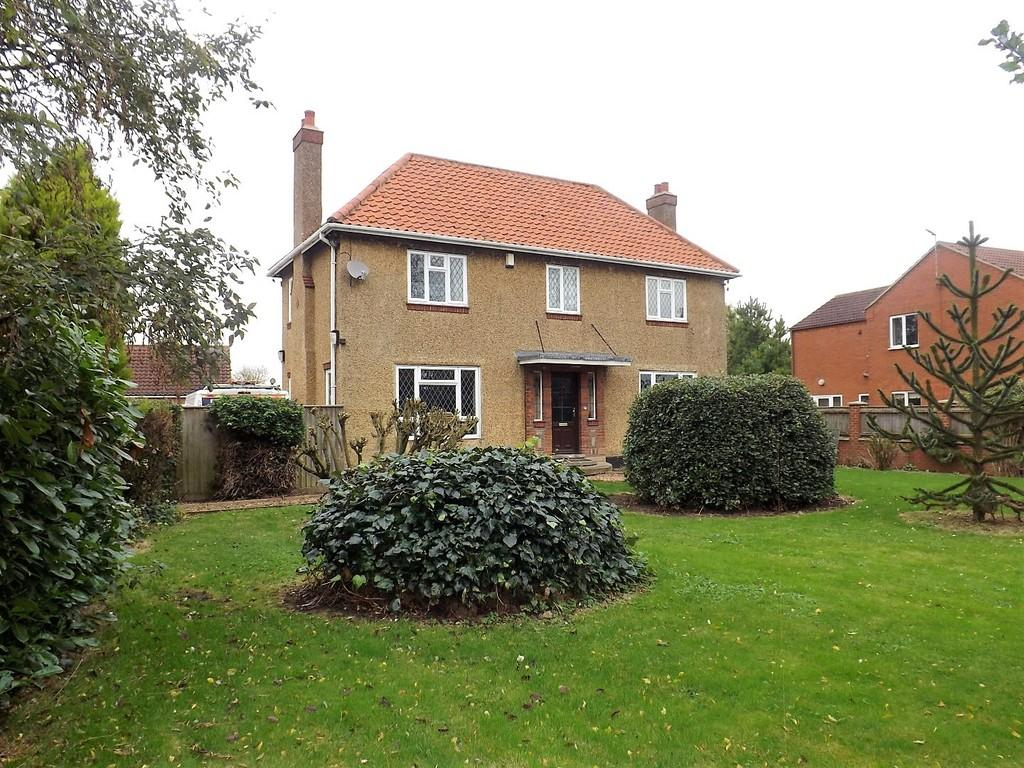 3 Bedrooms Detached House for sale in Wisbech Road, Outwell