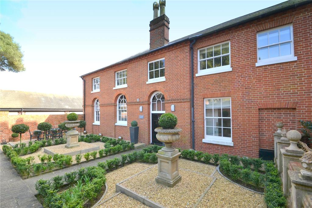2 Bedrooms House for sale in Broke Hall, Nr Ipswich, Suffolk, IP10
