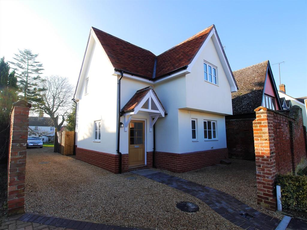 2 Bedrooms Detached House for sale in New House, Meadows Way, Hadleigh, Ipswich, Suffolk, IP7 5DX