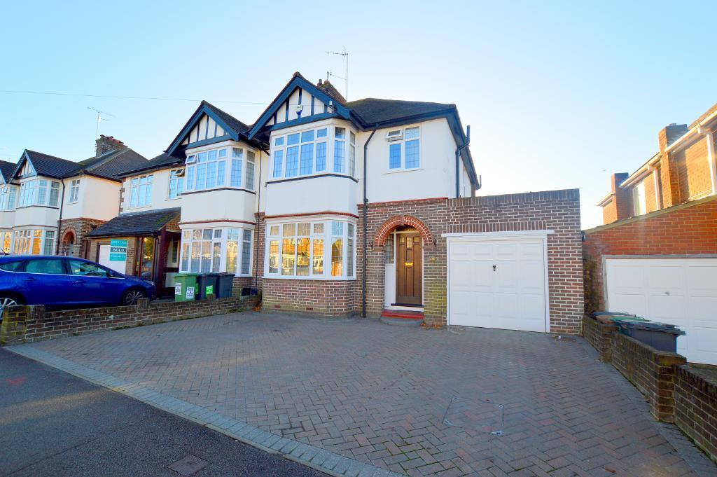 3 Bedrooms Semi Detached House for sale in Kingsdown Avenue, Luton, LU2 7BU