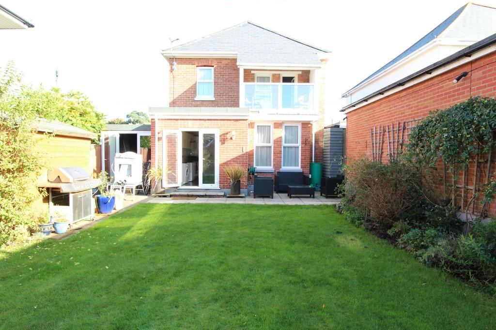 4 Bedrooms Link Detached House for sale in WALKFORD