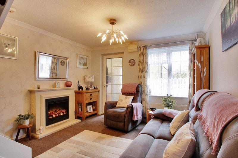 1 Bedroom End Of Terrace House for sale in Woodhatch, Southwater