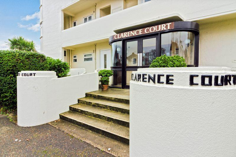 3 Bedrooms Flat for sale in Brighton Road, Worthing
