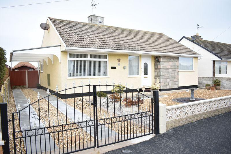 2 Bedrooms Detached Bungalow for sale in Harrison Drive, Rhyl
