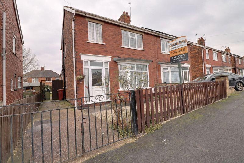 3 Bedrooms Semi Detached House for sale in Nuns Road, Scunthorpe
