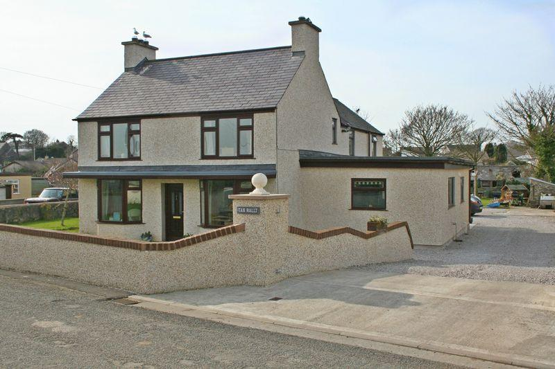 4 Bedrooms Detached House for sale in Bryngwran, Anglesey