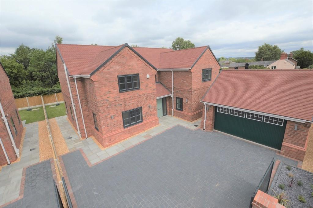 4 Bedrooms Detached House for sale in 2 Meadow View, Duddon, CW6 0EW