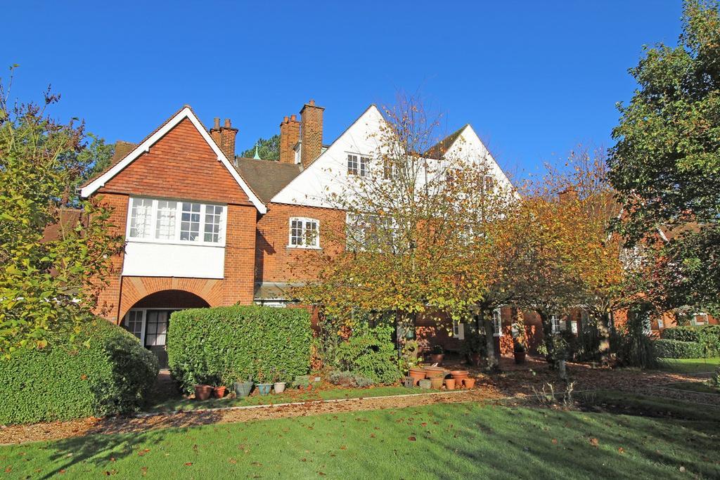 2 Bedrooms Apartment Flat for sale in Sollershott East, Letchworth Garden City, SG6