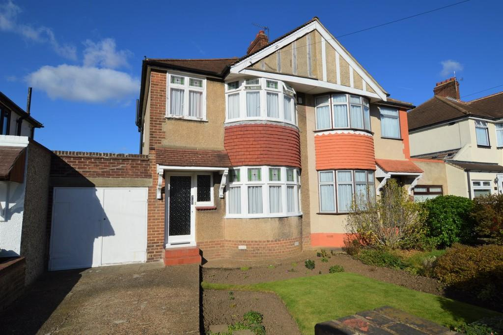 3 Bedrooms Semi Detached House for sale in Mayday Gardens, Blackheath SE3
