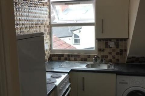 Studio to rent - STRATFORD ROAD