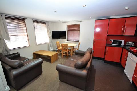 3 bedroom flat share to rent - Ruth First House, Claypath, Durham