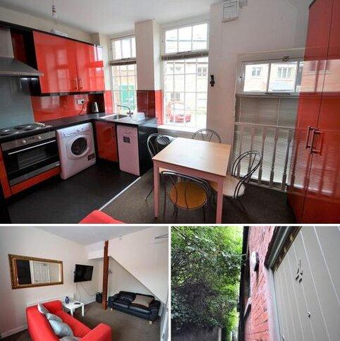 3 bedroom house share to rent - Moatside Mews, (off Saddler Street), Durham