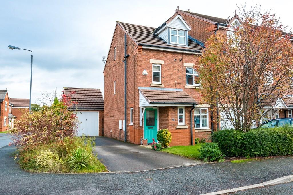 4 Bedrooms Town House for sale in The Spires, Eccleston, St. Helens