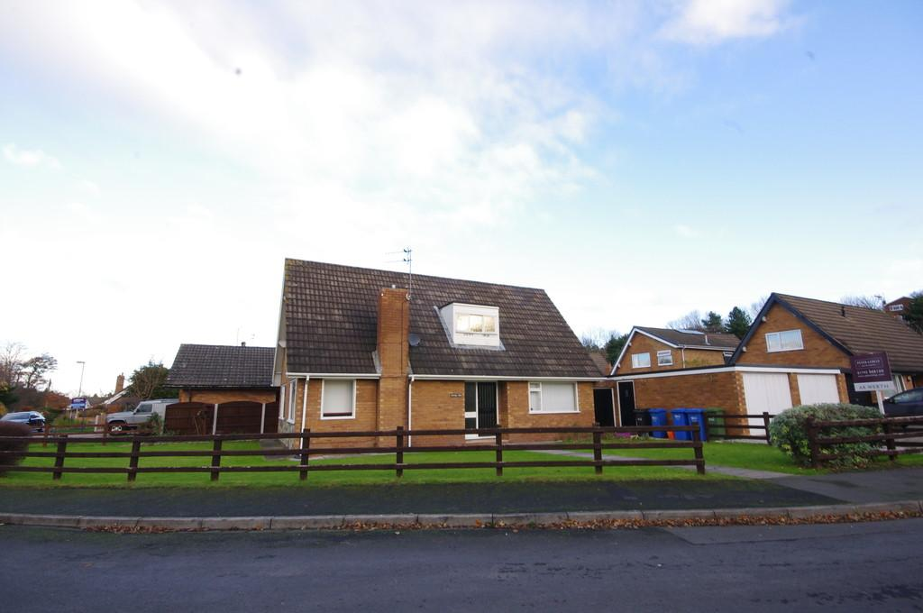 3 Bedrooms Detached Bungalow for sale in Glan Ffyddion, Dyserth