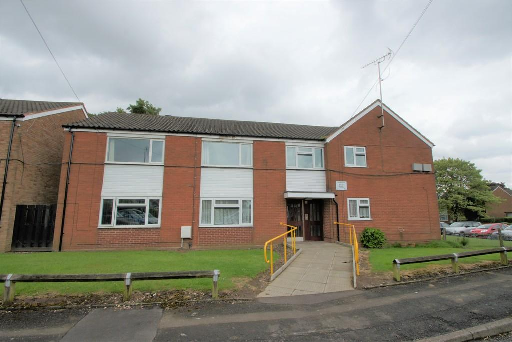 2 Bedrooms Flat for sale in Romsley Close, Pelsall, Walsall