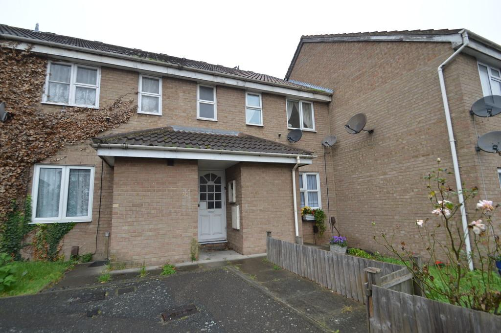 1 Bedroom Ground Flat for sale in Butteridges Close, Dagenham