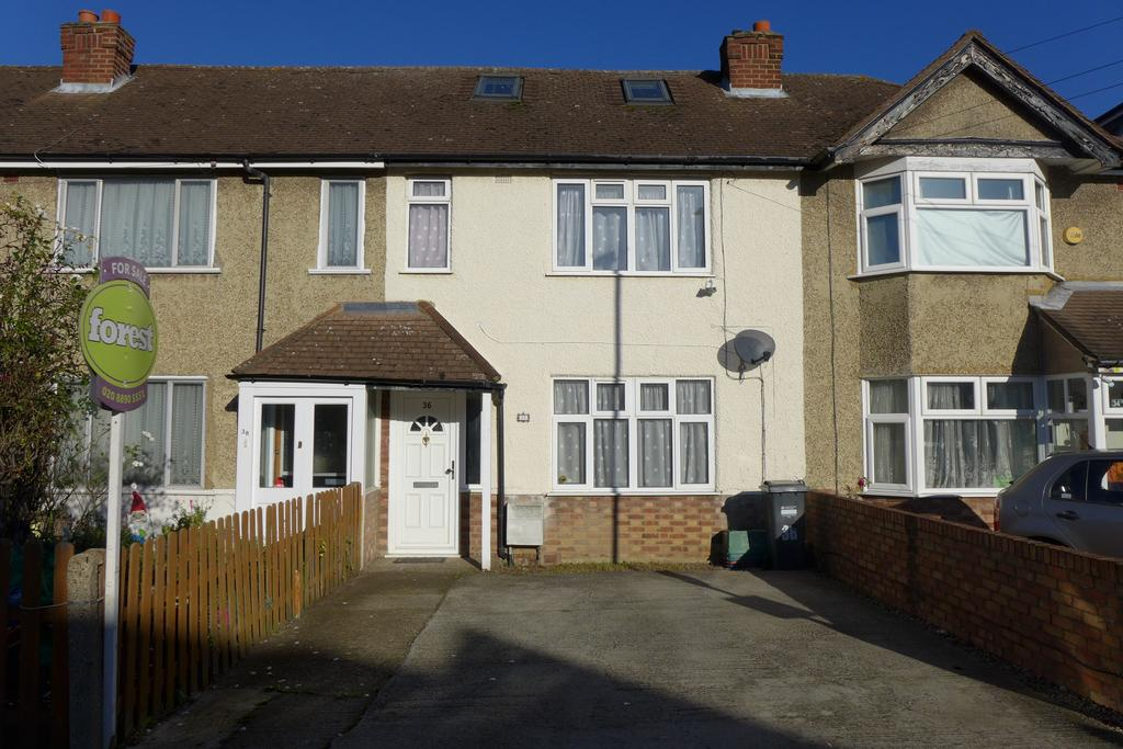 2 Bedrooms Terraced House for sale in Cranleigh Road, Feltham