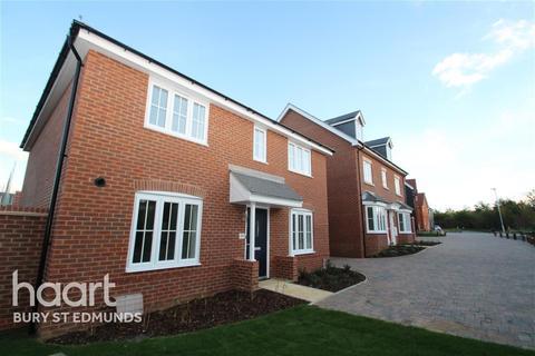 4 bedroom detached house to rent - Casey Jones Close, Bury St Edmunds