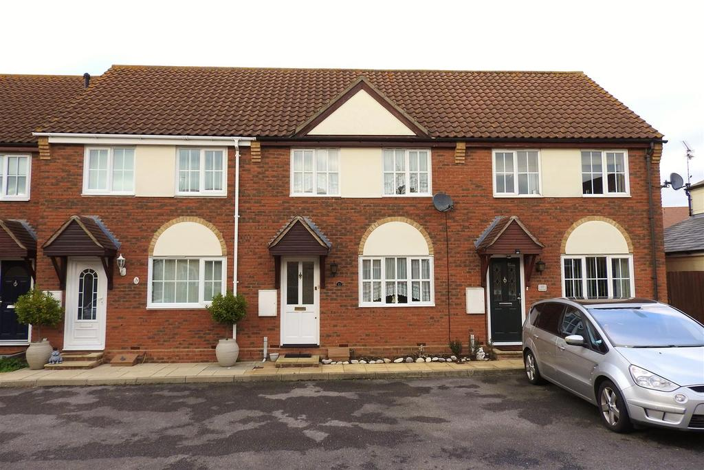 2 Bedrooms Terraced House for sale in Dudley Close, Boreham, Chelmsford