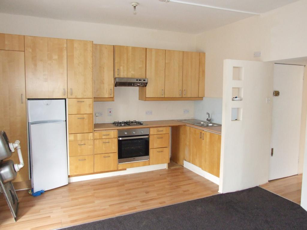 2 Bedrooms Flat for sale in Rucklidge Avenue, Harlesden, London NW10
