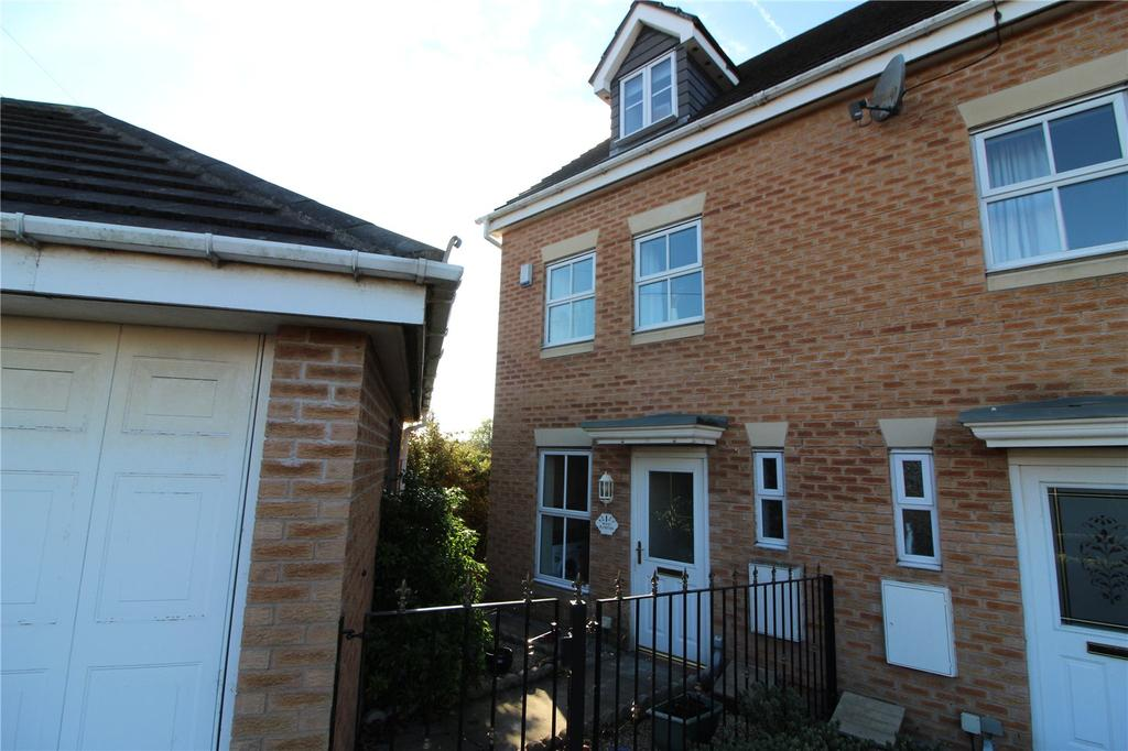3 Bedrooms Town House for sale in Stoney Croft, Hoyland, Barnsley, S74
