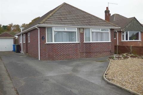3 bedroom bungalow to rent - Coventry Crescent, Broadstone, Poole, Dorset