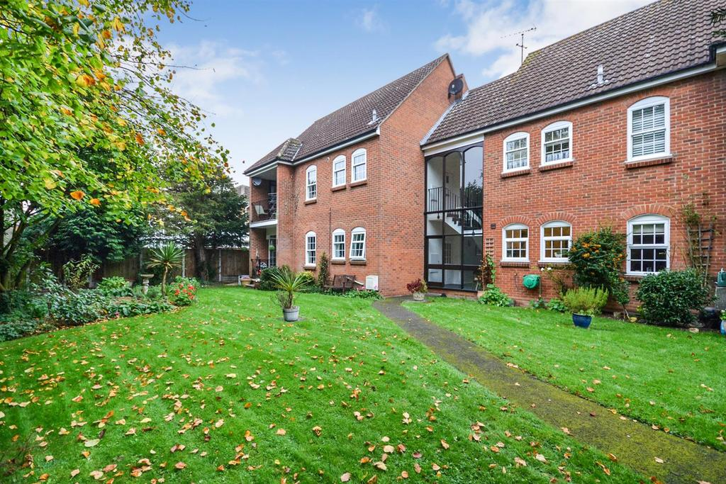 2 Bedrooms Apartment Flat for sale in East Hanningfield