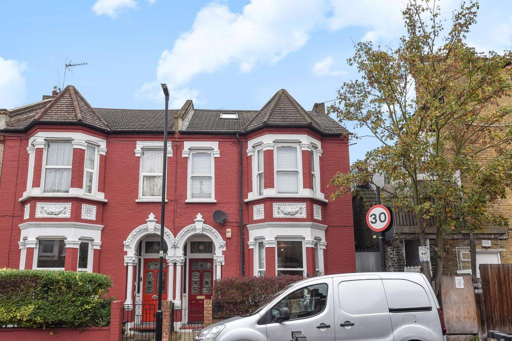 2 Bedrooms Flat for sale in Norfolk House Road, Streatham