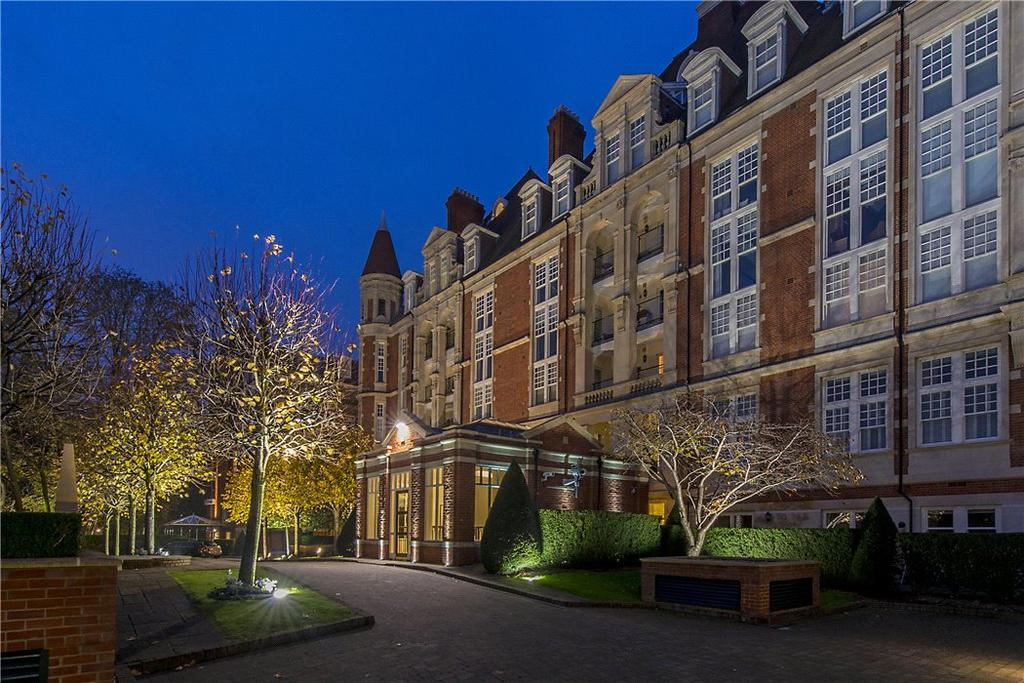 3 Bedrooms Penthouse Flat for sale in Gainsborough House, Frognal Rise, London, NW3