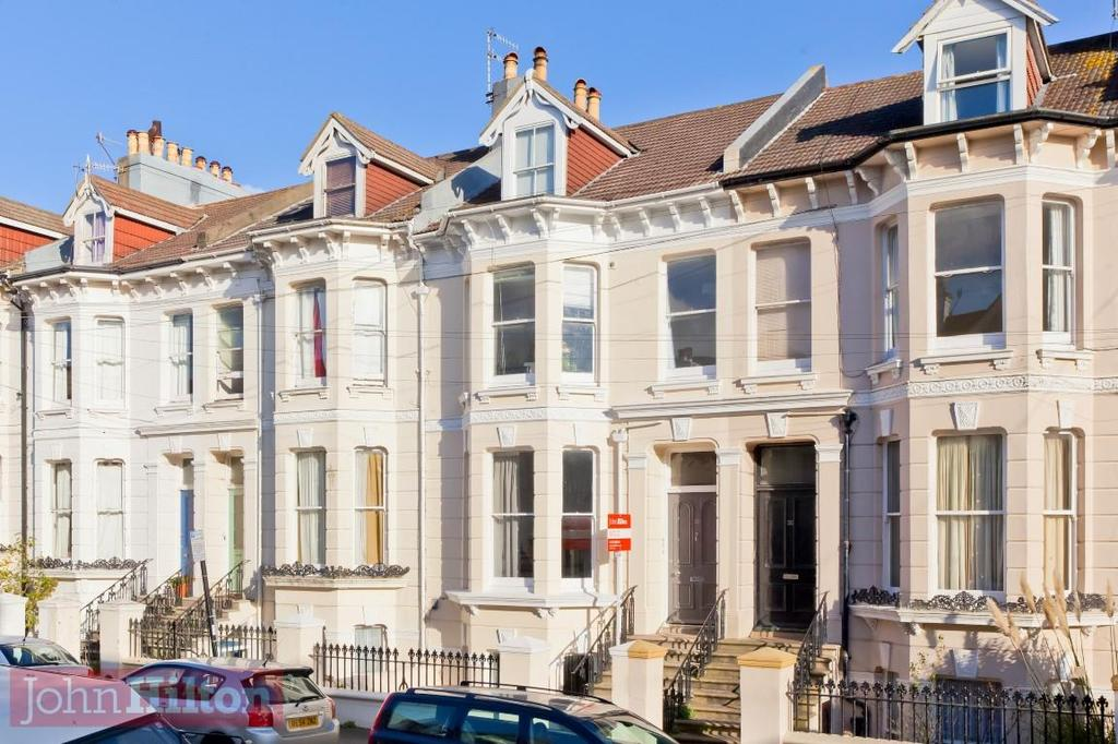2 Bedrooms Flat for sale in Stanford Road, Brighton