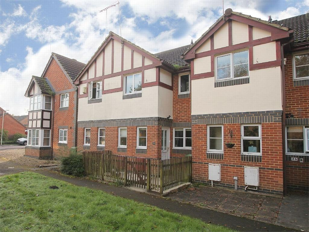 2 Bedrooms Terraced House for sale in Farnborough, Hampshire
