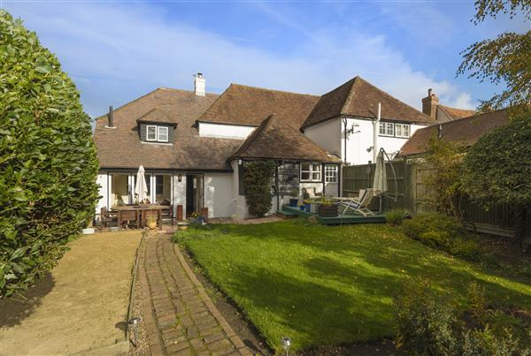 5 Bedrooms Semi Detached House for sale in The Street, Boughton-under-Blean