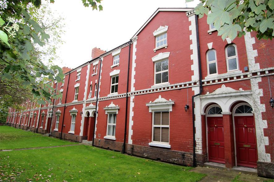 2 Bedrooms Apartment Flat for sale in Goldthorn Terrace, Penn Road, Wolverhampton, WV3