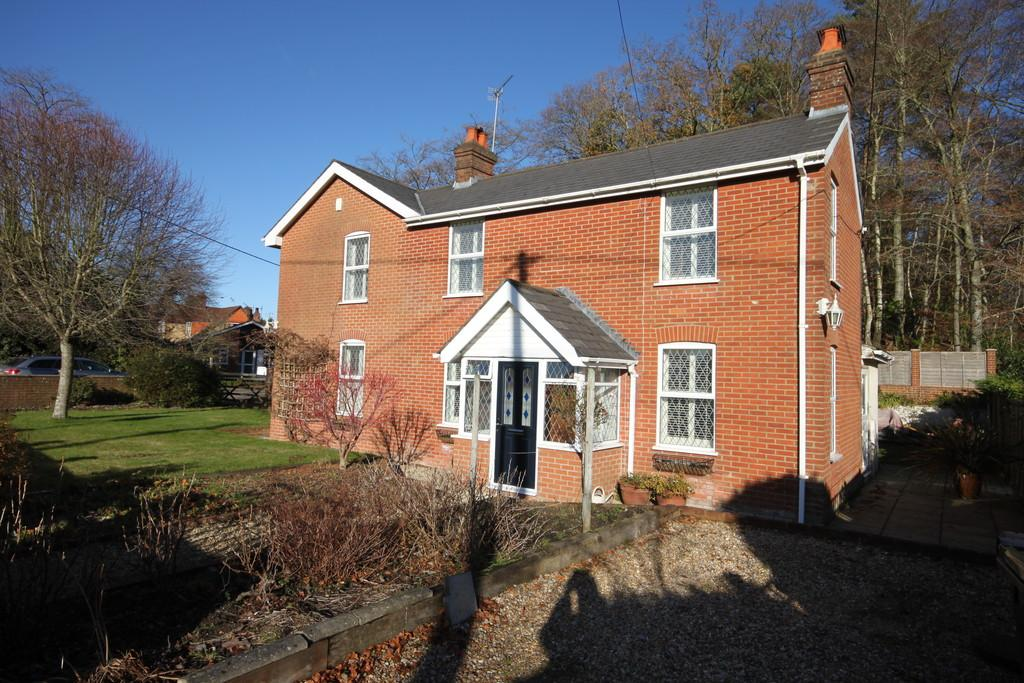 4 Bedrooms Detached House for sale in SOUTHAMPTON ROAD, ALDERBURY, SALISBURY, WILTSHIRE, SP5 3DX