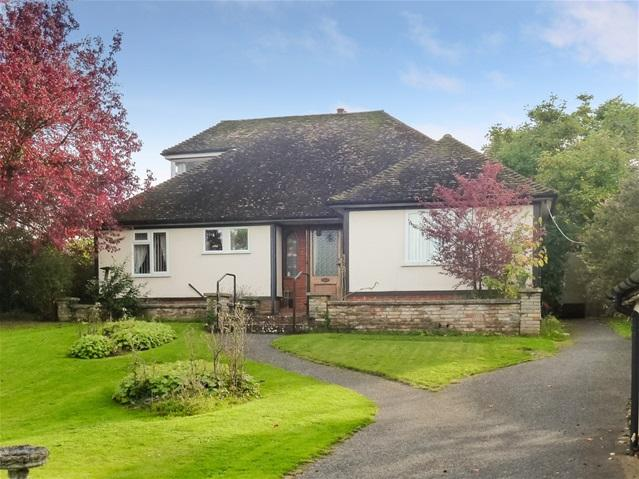 2 Bedrooms Bungalow for sale in Cliff Rd, Waldringfield