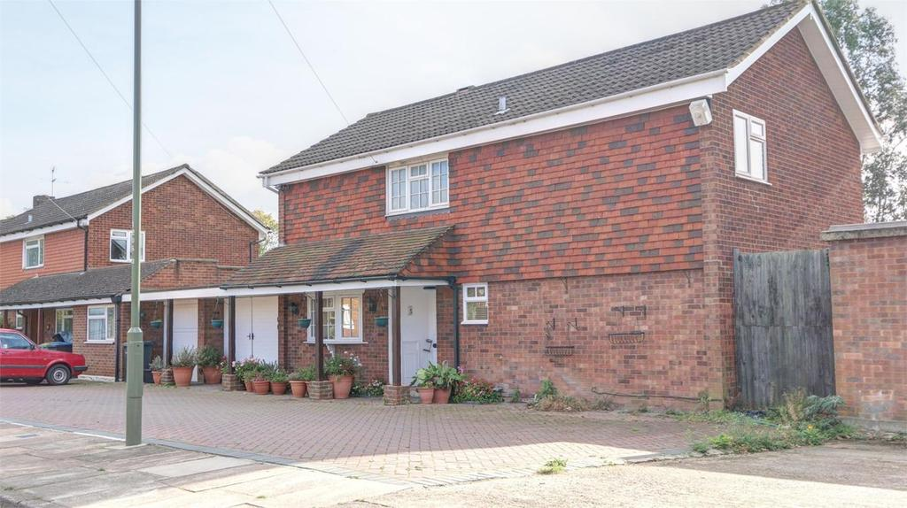 4 Bedrooms Detached House for sale in St Michaels Close, Bickley, Bromley, Kent