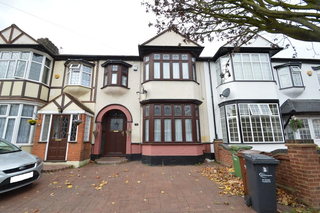 4 Bedrooms Terraced House for sale in Sheringham Drive, Barking
