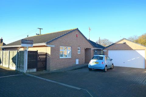 4 bedroom detached bungalow for sale - Poppy Close, Poole