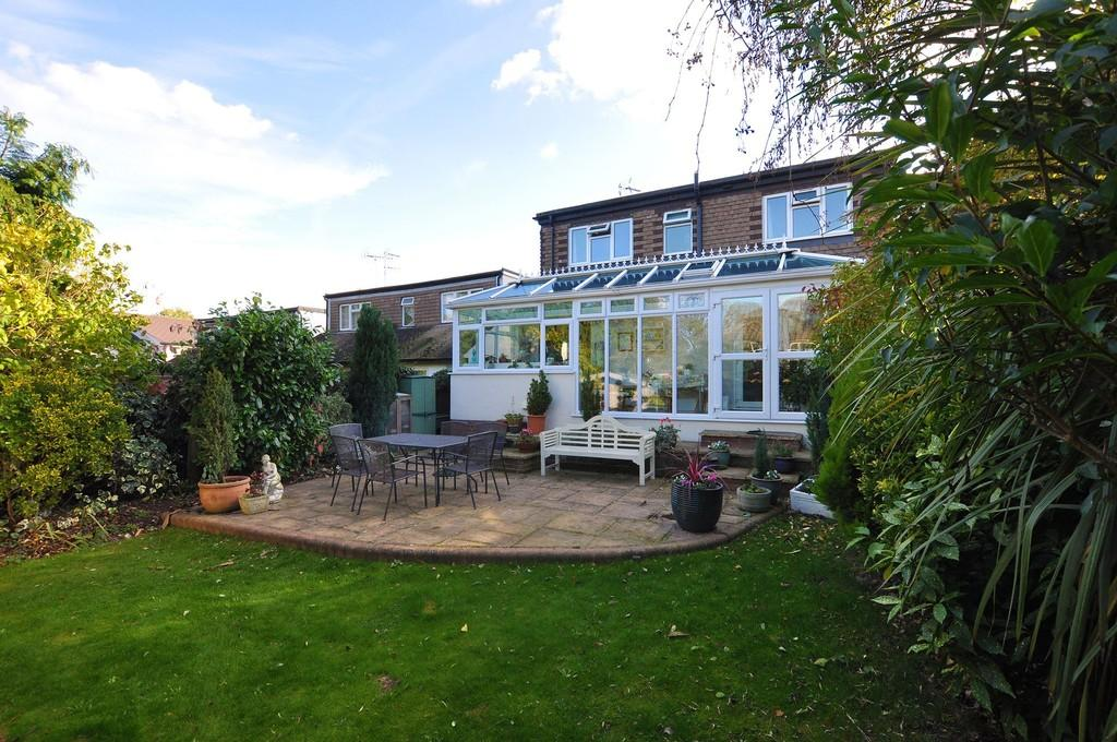 3 Bedrooms Detached House for sale in Westbury Lane, Buckhurst Hill
