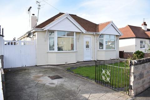 2 bedroom detached bungalow for sale - Tynewydd Road, Rhyl
