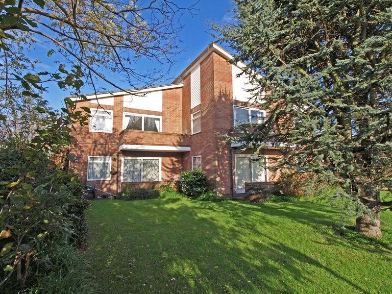 2 Bedrooms Apartment Flat for sale in Ashmere Court, Bognor Regis